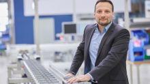 Im Transrapid durch die Fabrik – So optimiert der Montratec-Chef die Logistik in Betrieben