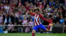 Griezmann says six out of 10 chances of United move