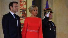 Brigitte Macron joue la carte du rouge au dîner d'État à l'Élysée