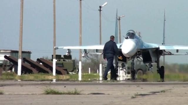 Ukraine forces kill up to five rebels, Russia starts drill near border