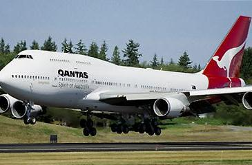 Qantas extends testing of in-flight cellphone use