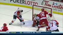Riley Sheahan scores PPG on nifty spin move
