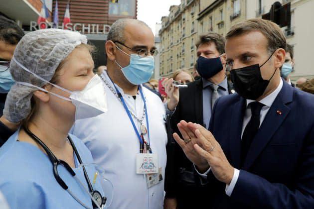 Covid-19: l'exécutif veut convaincre les soignants de se faire vacciner