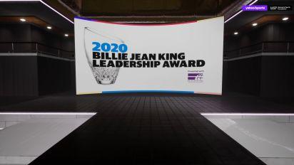 Mystics prez presents Billie Jean King award