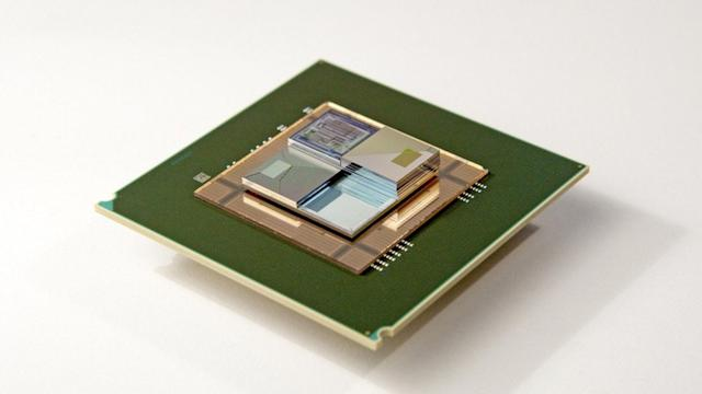 Tiny liquid battery cools chips while powering them