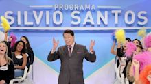 Silvio Santos diz que não assiste à TV e brinca com Gentili em premiação
