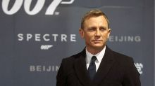 Il simpatico selfie con l'attuale James Bond e... l'erede (forse)