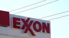 Ganancias de Exxon en primer trimestre incumplen estimaciones por bajos precios de petróleo y gas