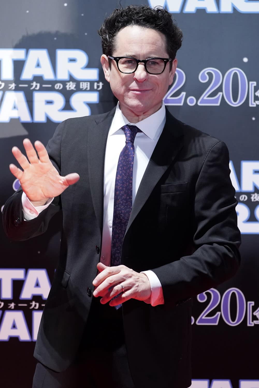 導演J.J.亞伯拉罕表示,這次採用了以往星戰電影前所未見的製作規模,無疑是特效公司光影魔幻工業(ILM)有史以來最為龐大的作品。