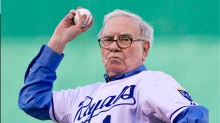 Mike Piazza: Warren Buffett would be a great baseball manager