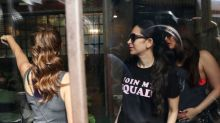 Karisma, Amrita & Kareena have a giggle-fest, because girls-just-wanna-have-fun