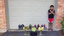 Menino de 7 anos realiza minifuneral para homenagear Chadwick Boseman