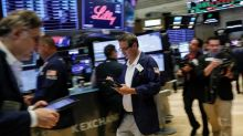 U.S. stock futures flat as drop in oil prices trims earnings enthusiasm