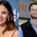 Jennifer Garner Is Back Together With Her Ex Days After Ben Affleck & J-Lo's Hangout