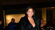 Ashley Graham, modelo de tallas grandes, presume sus encantos en sexy atuendo