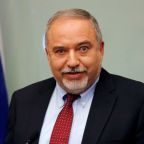 Lieberman quits as Israeli defense chief, savages Gaza truce