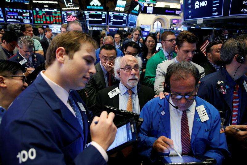 Wall Street rebounds in the face of heated trade row