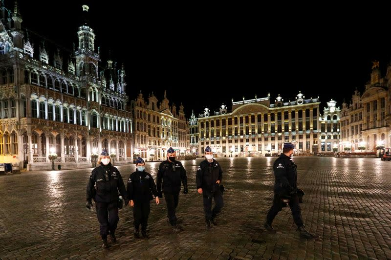 Belgium faces decision on possible new lockdown by weekend: official