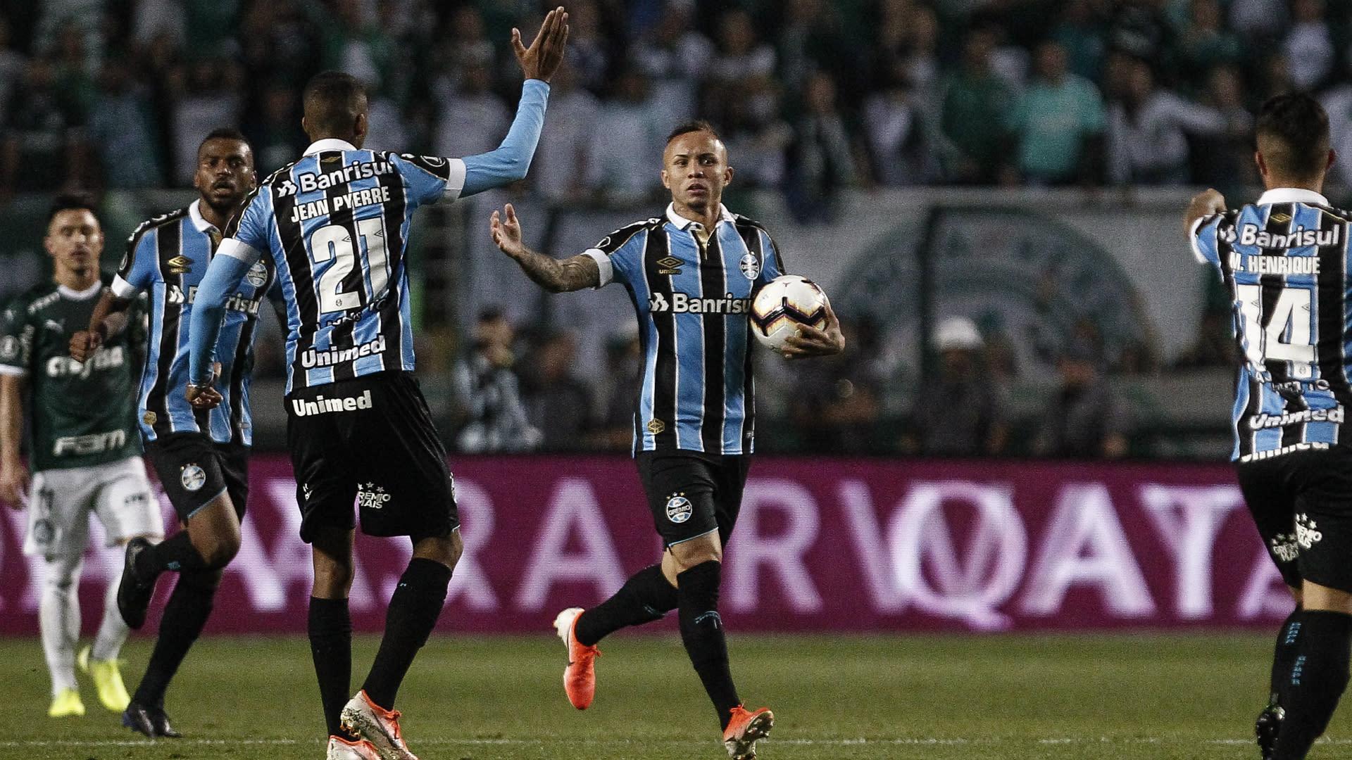 22f6e7b03a67d Palmeiras 1-2 Gremio (2-2 agg): Visitors reach Copa Libertadores ...