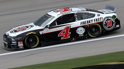 Can anyone stop red-hot Kevin Harvick in Texas?