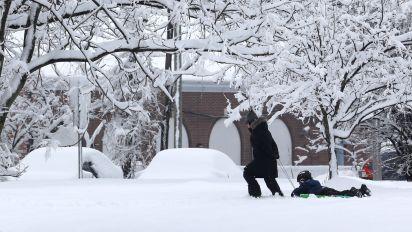 Snow storm may disrupt Thanksgiving travel