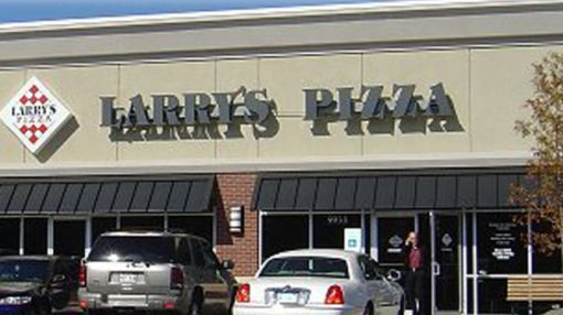 Mom Leaves Infant Daughter in Car in 96 Degree Heat to Eat Pizza