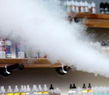 US vaping illnesses top 500, Missouri man is 8th death
