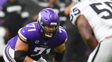 Riley Reiff won't balk if Vikings ever ask him to play guard