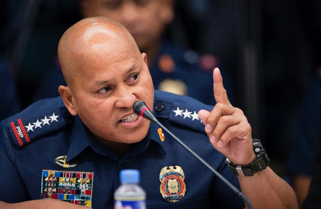 Philippine National Police (PNP) chief Ronald Dela Rosa testifies during a senate hearing in Manila, on September 15, 2016 (AFP Photo/Noel Celis)