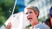 Cynthia Nixon Shares Story of Mother's Illegal Abortion While Holding Up a Wire Hanger