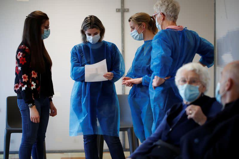Coronavirus: Plus de 3.000 patients en réanimation en France