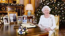 This Is What The Queen Gave Her Staff For Christmas