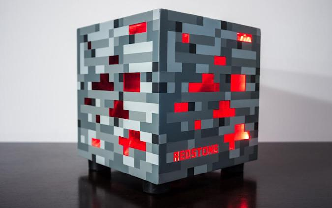 Custom 'Minecraft' PC is more than a skin-deep tribute