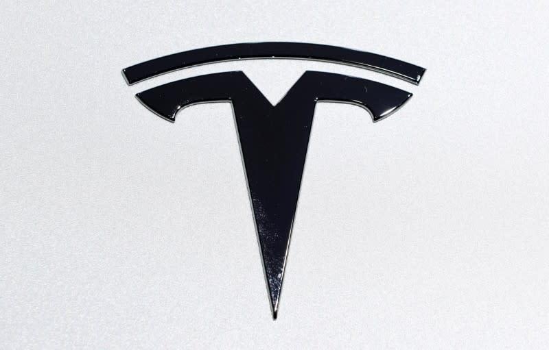 Two Tesla employees test positive for coronavirus - Business Insider