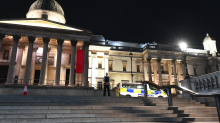 Trafalgar Square stabbing: Police hunt suspect in late-night knife attack