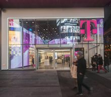 T-Mobile and Sprint Making Big Promises If They're Allowed to Merge