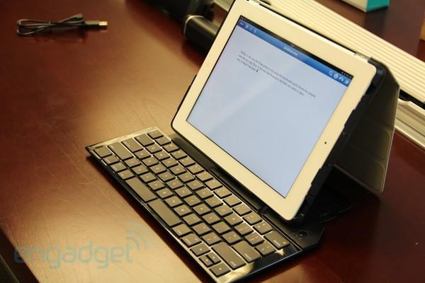 Logitech announces $130 fold-out keyboard for the iPad, we go hands-on