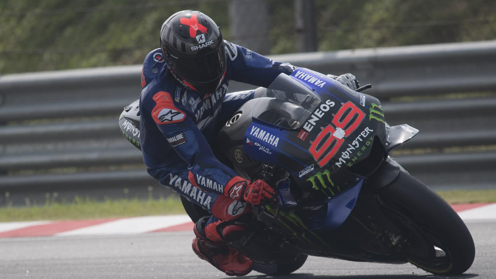Motogp 2020 Rossi And Quartararo Question Yamaha Over Underused Lorenzo