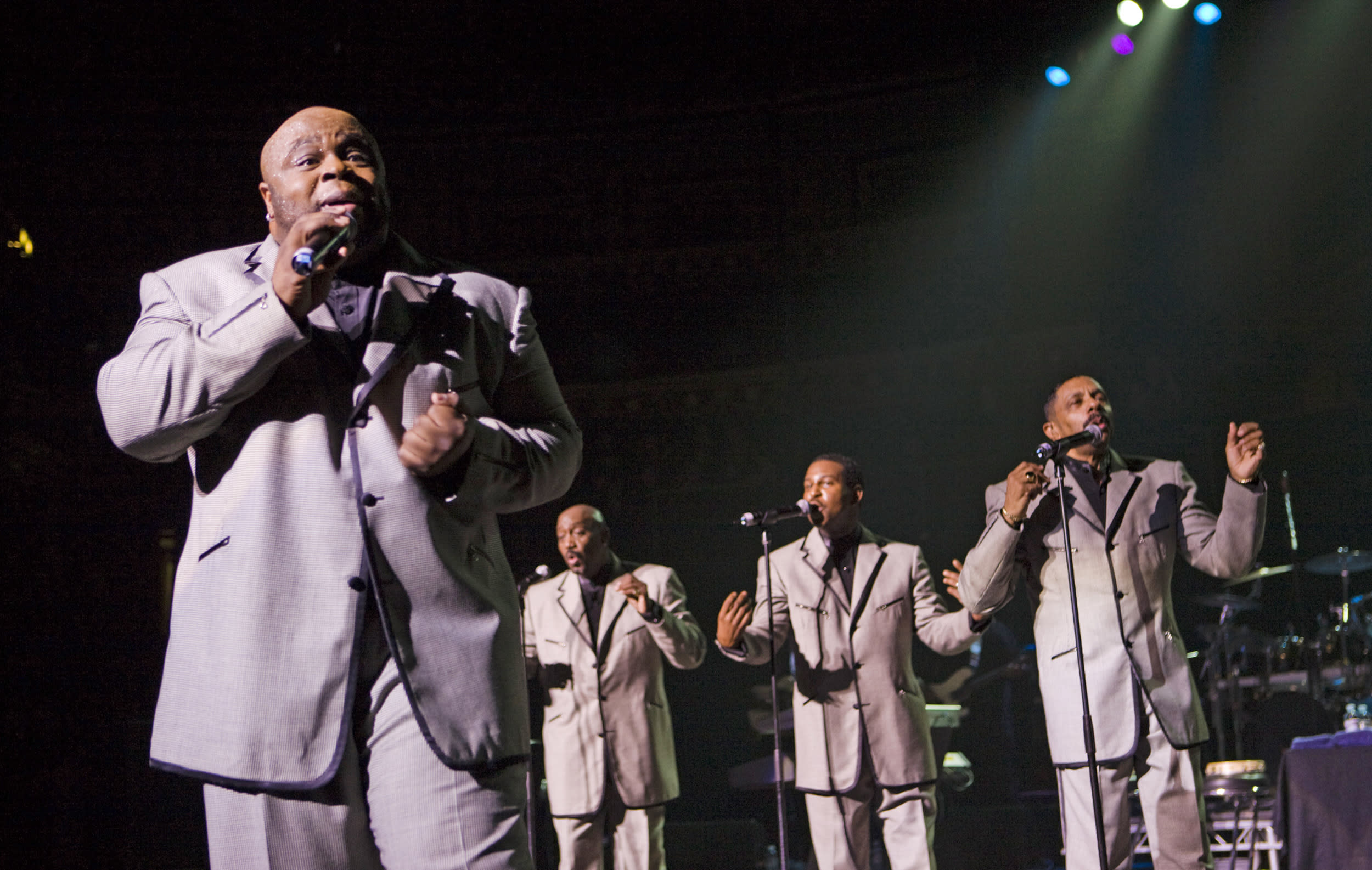 Former Temptations lead singer Bruce Williamson dies at age 49