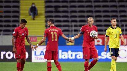 João Cancelo e Bruno Fernandes apoiam críticas à Superliga Europeia
