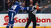 Matthews lets ref know that this goal counts
