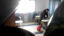 Profesor es grabado robando a sus alumnos