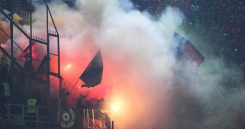 Foot - CM - Gr. G. - Italie-Albanie interrompu pour jets de pétards