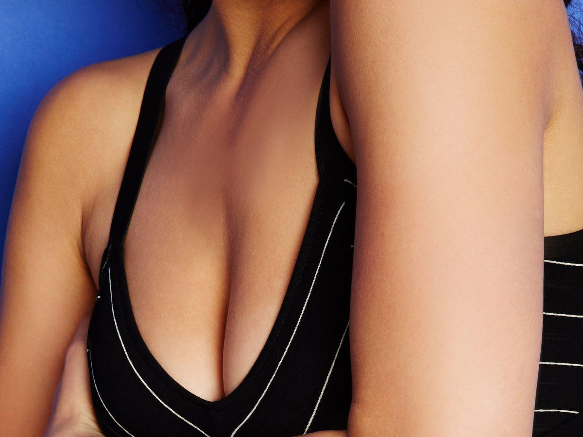 Women Need To Know About Non Lump Breast Cancer Symptoms Experts Warn