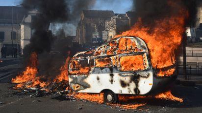 Au Mans, la manifestation des forains dégénère