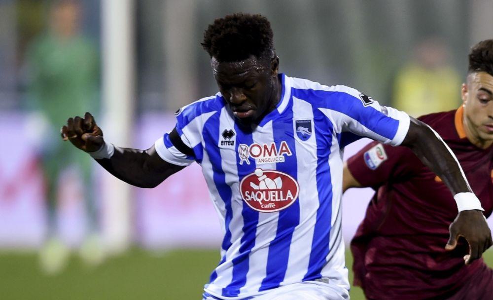 Serie A: Victime d'insultes racistes, Muntari offre son maillot à un enfant du public