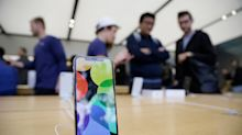 Is Apple now suddenly a safe investment again?