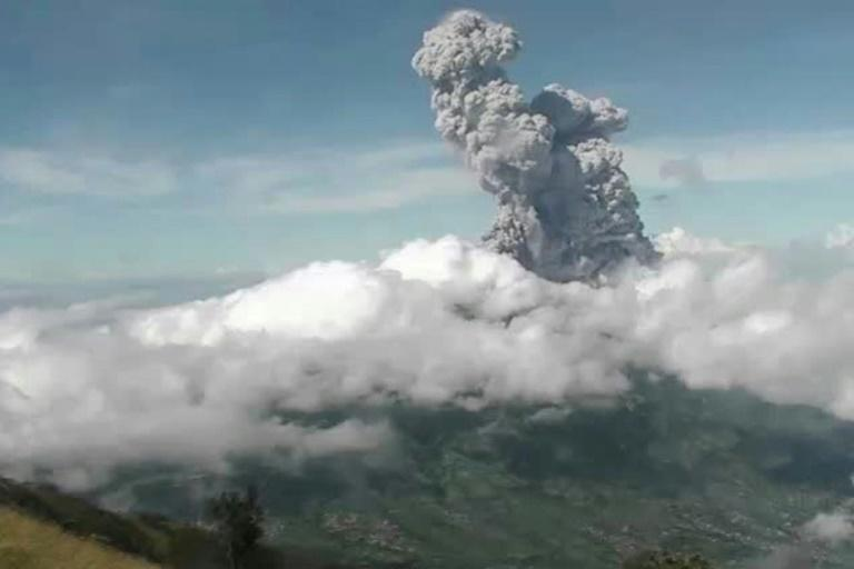Indonesia's Mt Merapi erupts, spewing ash 6 km high