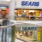Exclusive: Sears chairman Lampert seeks partner for bankruptcy financing - sources