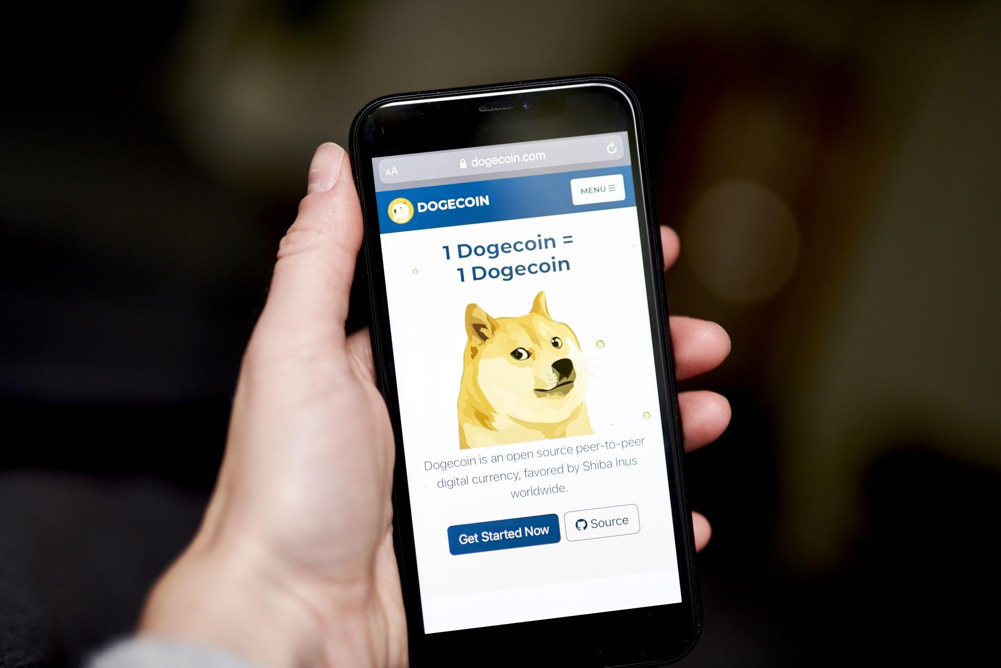 Dogecoin Bolstered by Coinbase Addition as Musk Tweets Continue – Yahoo Finance